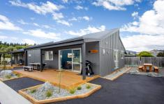 8 person apartment Hanmer Springs NZ