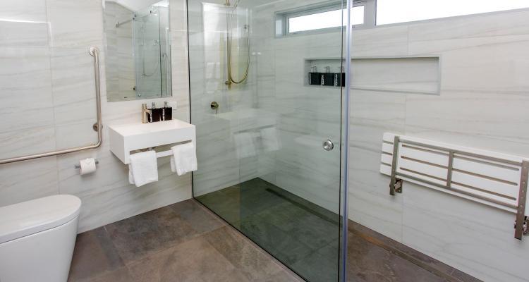 hanmer top 10 accessible bathroom